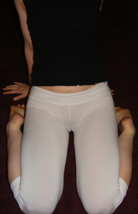 Lovely cameltoe seen through white leggins no panties underneath.